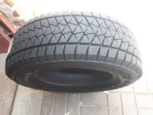 Купити Зима Bridgestone DMV2 R16