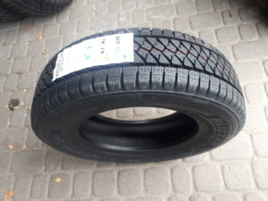 Купити Зима Bridgestone W995 R16C